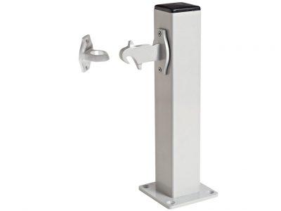 Windsor Pedestal Post With Auto Door Holders