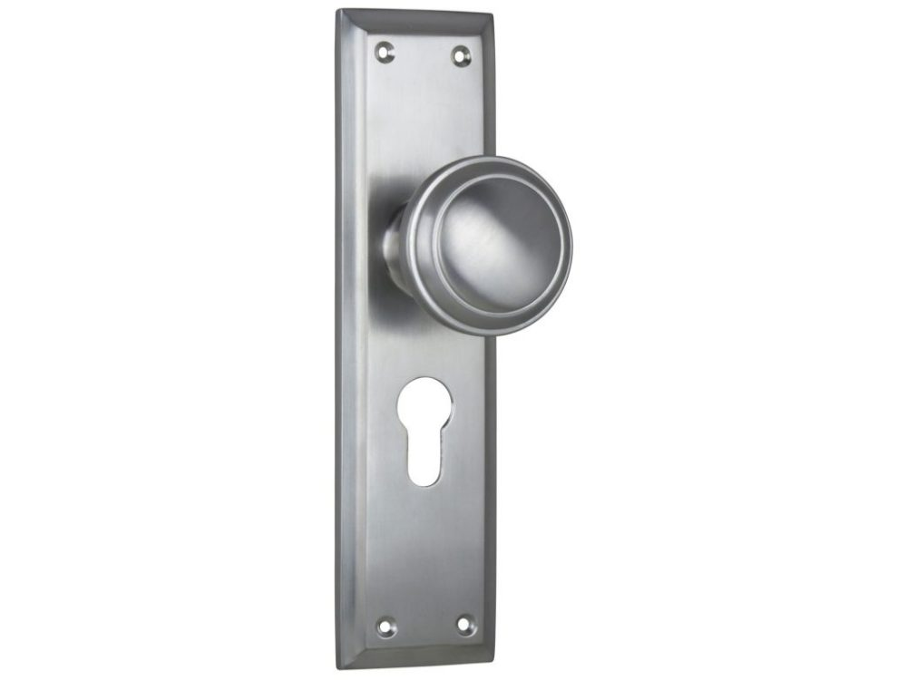 Milton Traditional Style Knob on Euro Locking Plate